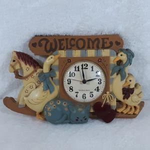 Vintage (early 80's) Buewood childrens room clock